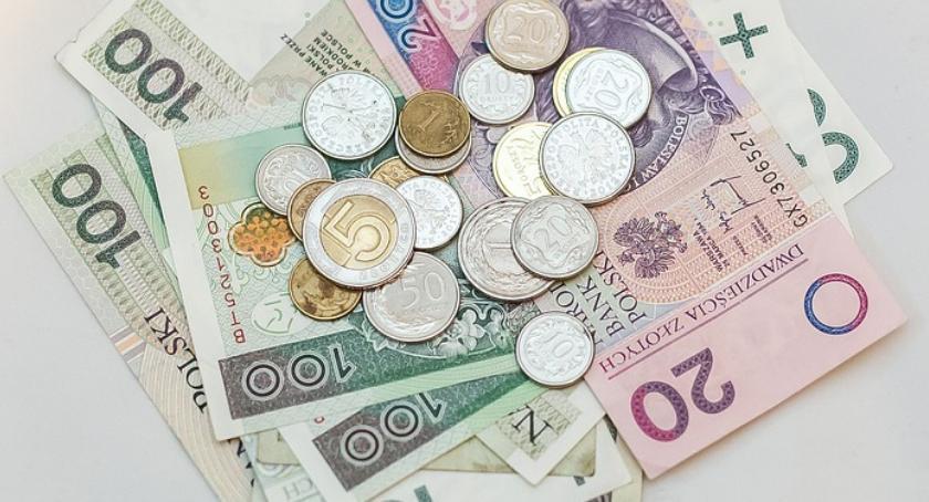 Samorządy Gminne, Pieniądze stulatka - zdjęcie, fotografia