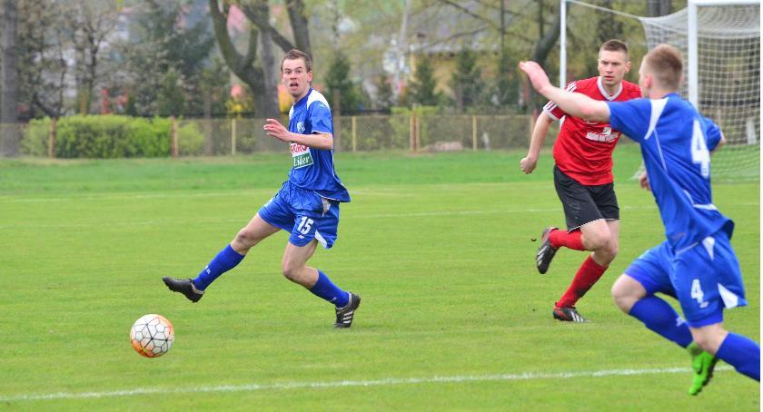 Piłka nożna, Przełamanie Drwęcy Golub Dobrzyń - zdjęcie, fotografia
