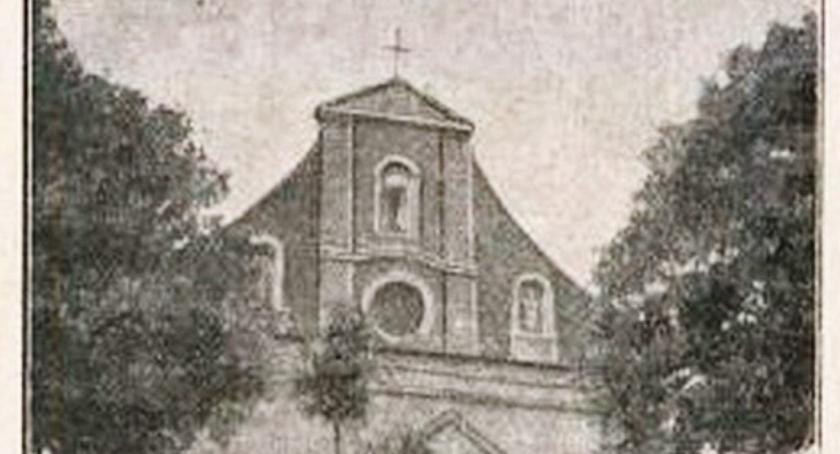 Ciekawostki, Średniowieczny kościół Płonnem - zdjęcie, fotografia