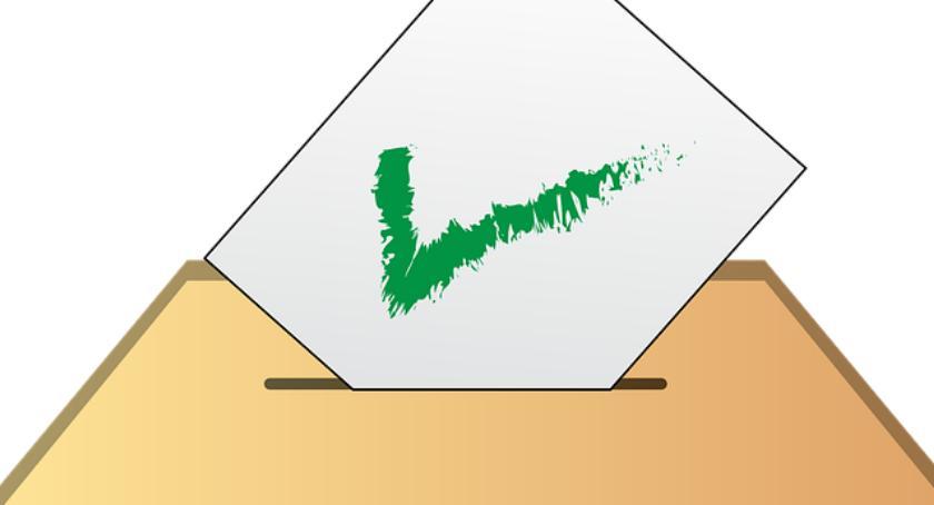 Urzędy, Rusza głosowanie - zdjęcie, fotografia