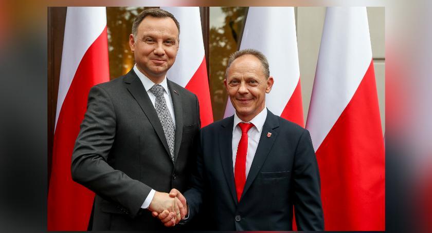 Polityka, Wójt Piotr Wolski prezydenta - zdjęcie, fotografia