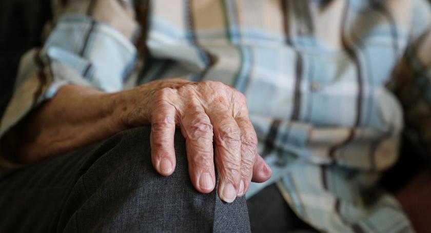 Ciekawostki, Senior zagrodzie - zdjęcie, fotografia