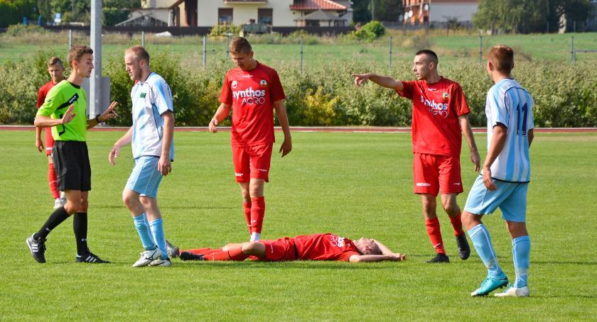 Piłka nożna, Promień Kowalewo Pomorskie zdobywa pierwsze punkty - zdjęcie, fotografia