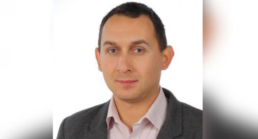 Rada miejska, Szymon Wiśniewski burmistrza - zdjęcie, fotografia