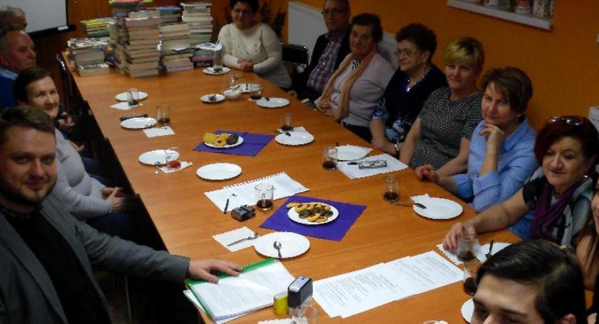 Biblioteki, Aktywni seniorzy Zbójna - zdjęcie, fotografia