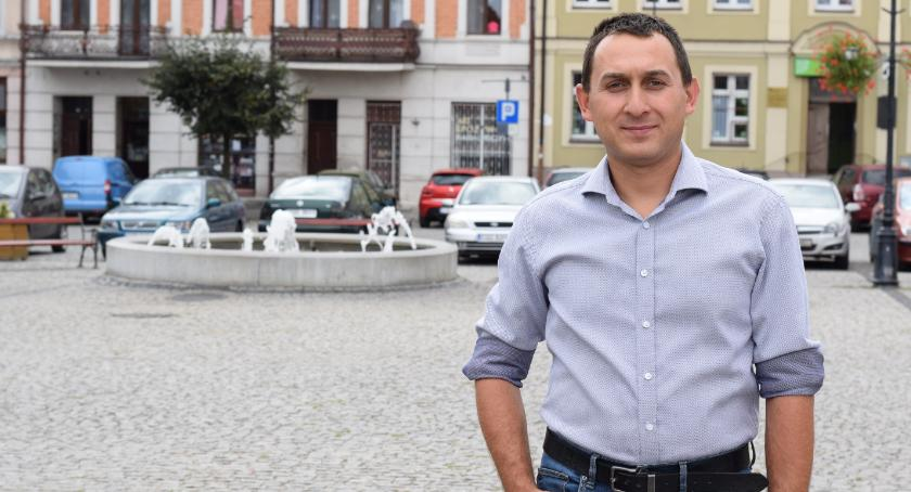 Wywiady, Szymon Wiśniewski zainwestuje kulturę edukację - zdjęcie, fotografia