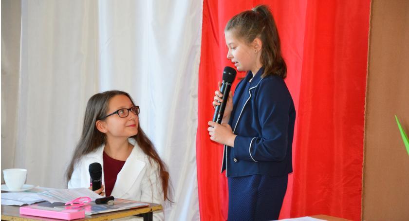 Edukacja, Świętowali Dzień Edukacji Narodowej Płonnem - zdjęcie, fotografia