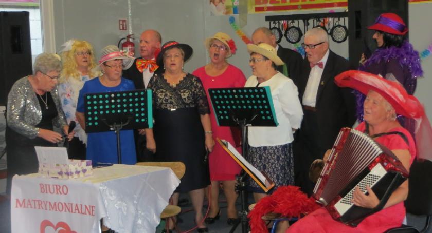 Wydarzenia lokalne, Zabawa golubskich seniorów - zdjęcie, fotografia