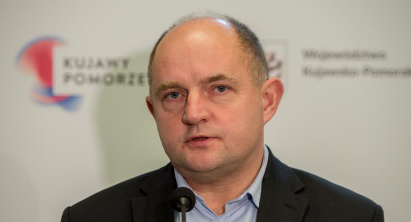 Polityka, Całbecki deklasuje rywali - zdjęcie, fotografia