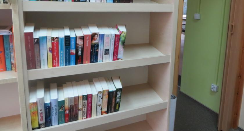 Biblioteki, Kolejne zakupy golubskiej biblioteki - zdjęcie, fotografia