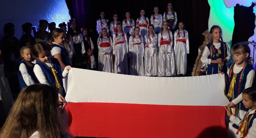 Wydarzenia lokalne, Wspólny projekt celebrowanie Nowogrodzie - zdjęcie, fotografia