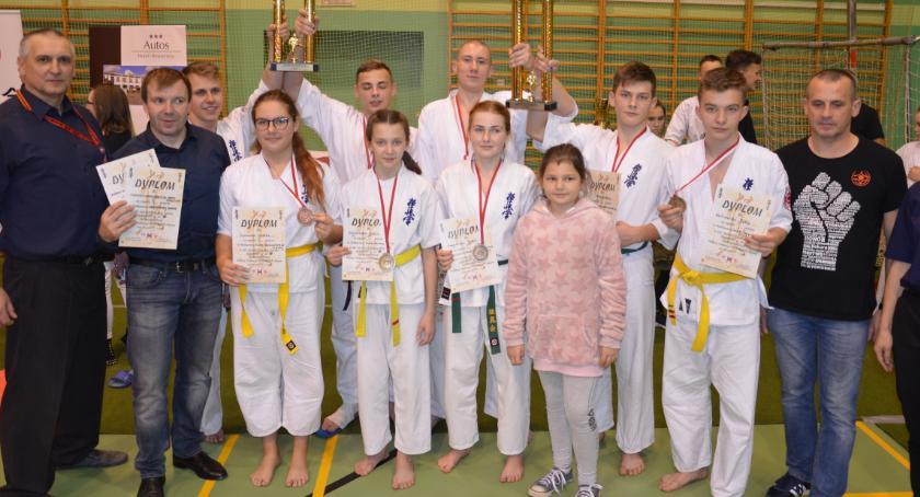 Sztuki walki, Popis karateków Golubia Dobrzynia - zdjęcie, fotografia