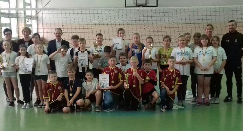 Siatkówka, Lokalne mistrzostwa Radominie - zdjęcie, fotografia