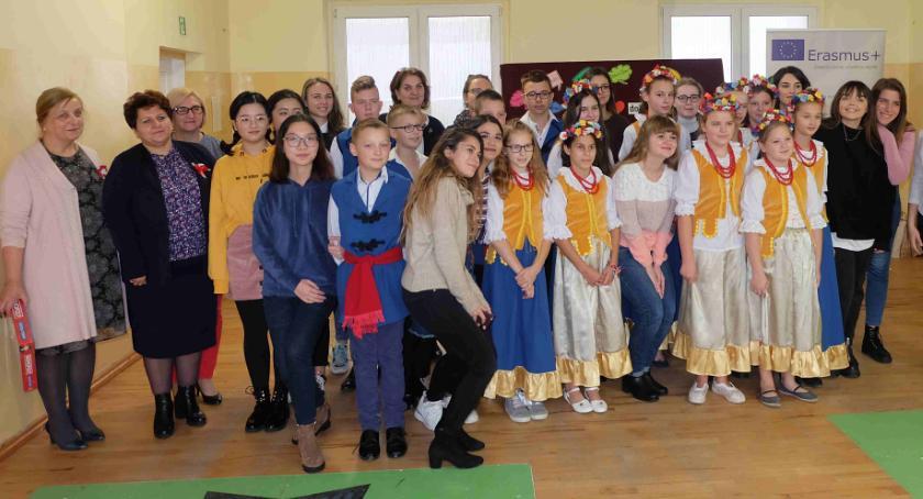 Edukacja, Siedem kultur jeden dzień - zdjęcie, fotografia