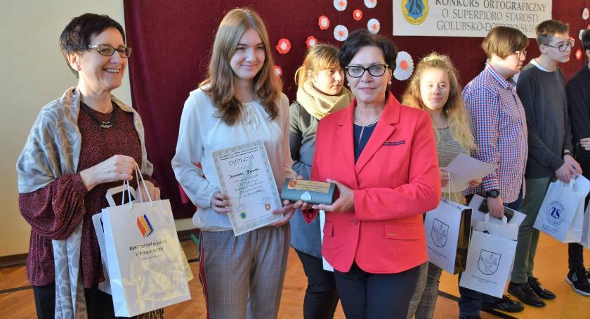 Edukacja, Finał konkursu superpióro starosty Kowalewie Pomorskim - zdjęcie, fotografia