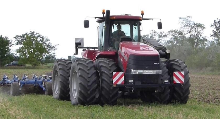 Ciekawostki, Traktor miliony - zdjęcie, fotografia
