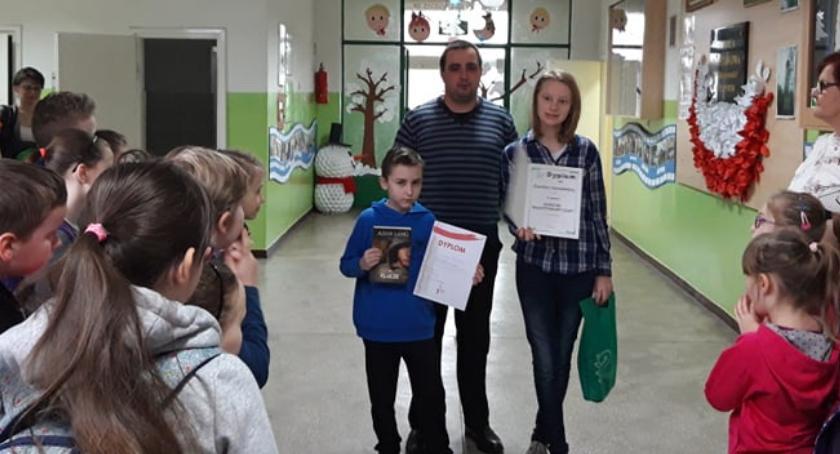 Edukacja, Uczniowie Płonnego kolejnymi sukcesami - zdjęcie, fotografia