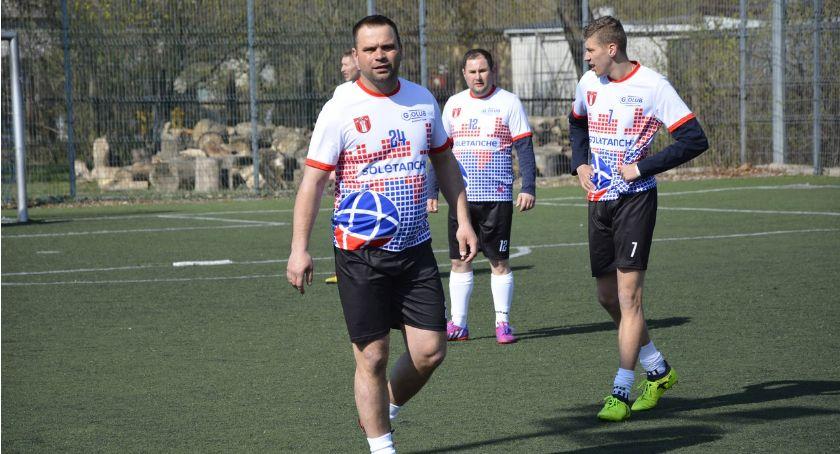 Piłka nożna, Zagrali orliku - zdjęcie, fotografia