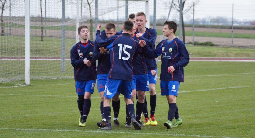 Piłka nożna, Pierwsze zwycięstwo Promienia - zdjęcie, fotografia