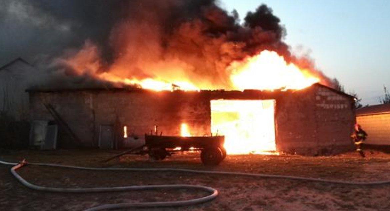 Pożary, Pożar stodoły Węgiersku - zdjęcie, fotografia