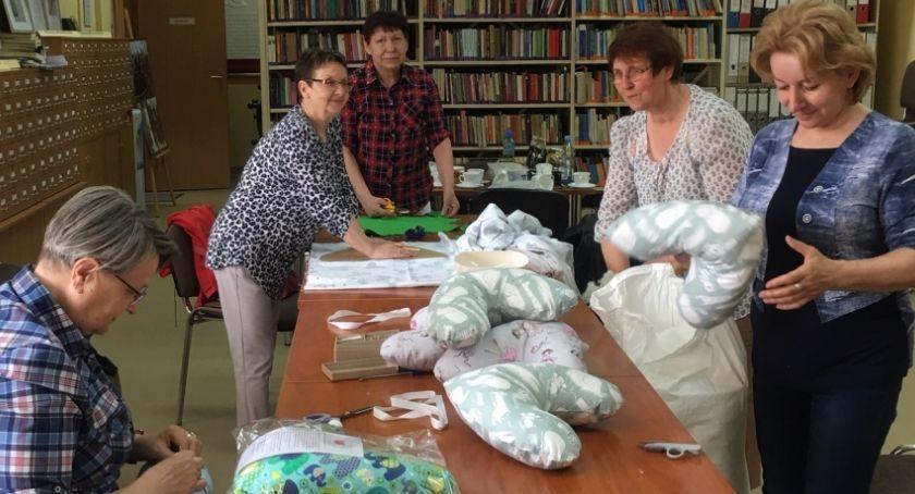 Akcja charytatywna, amazonek - zdjęcie, fotografia