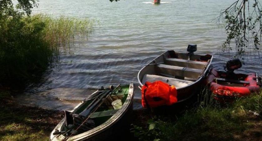 Wypadki, Dostał zawału wypadł łodzi - zdjęcie, fotografia
