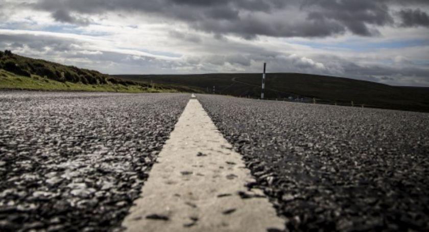 Inwestycje, Kolejna droga doczeka remontu - zdjęcie, fotografia