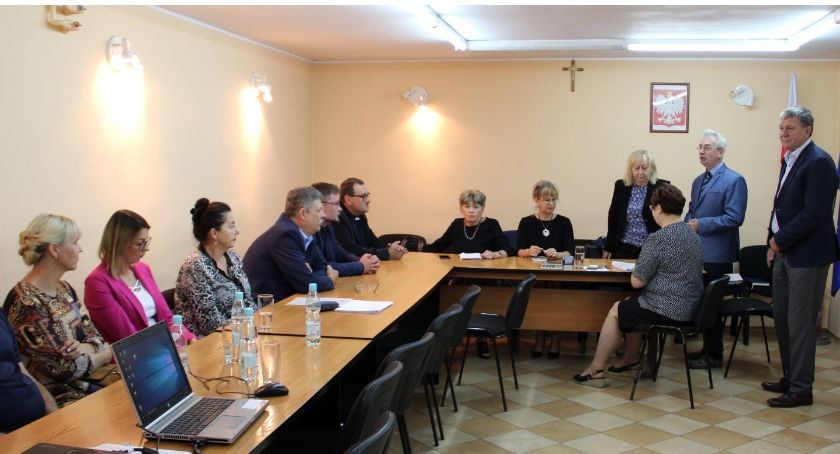 Edukacja, stary dyrektor Ostrowitem - zdjęcie, fotografia