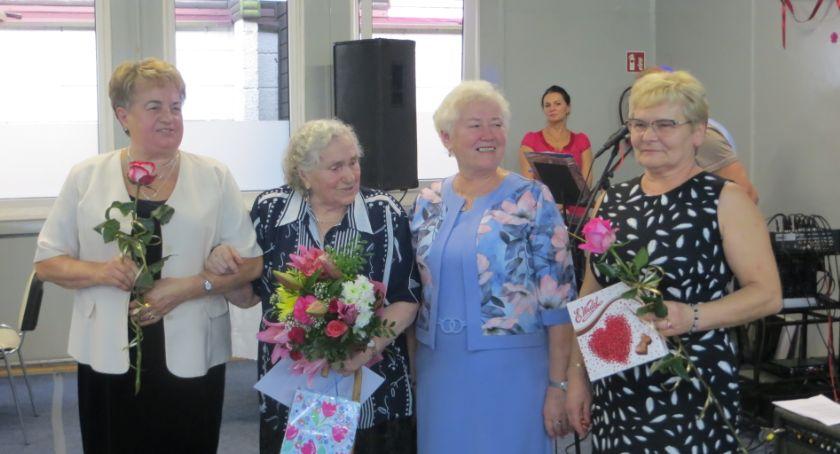 Stowarzyszenia i organizacje, Golubscy seniorzy mają świetnie - zdjęcie, fotografia