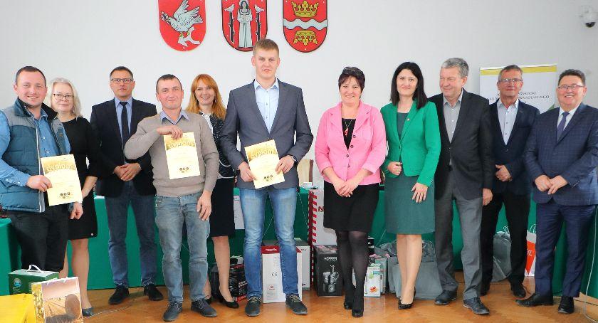 Wydarzenia lokalne, Rolniczy mistrz powiatu - zdjęcie, fotografia
