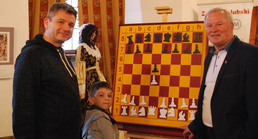 Rekreacja, Iluminacje szachowe - zdjęcie, fotografia