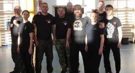 Bojowy staż karateków