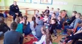 Mundurowi w radomińskiej szkole