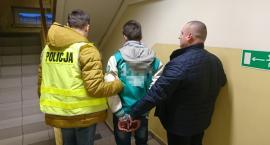 Młody mężczyzna złapany z narkotykami