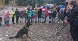 Zajęcia z psem policyjnym