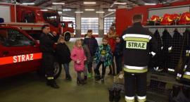 Najmłodsi w roli strażaków