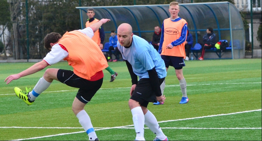 Piłka nożna, Klęska Bobrowa Unią - zdjęcie, fotografia