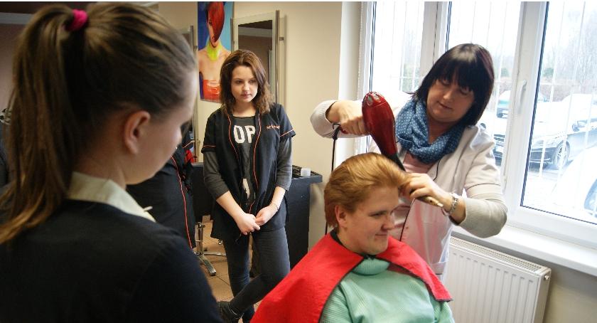 Ciekawi ludzie, Zawód fryzjer - zdjęcie, fotografia