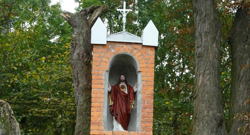 Ciekawostki, Szlakiem przydrożnych kapliczek - zdjęcie, fotografia