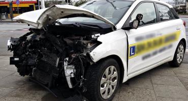Trzy osoby ranne w wypadku na Nowodworach [ZDJĘCIA]