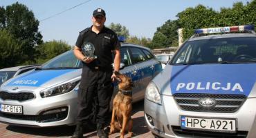 Marcin Pankowski i Pako na podium Eliminacji Wojewódzkich do XVIII Kynologicznych Mistrzostw Policji