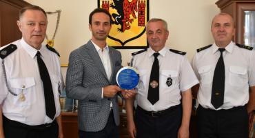Burmistrz doceniony przez strażaków