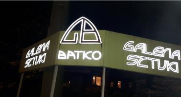 Galeria Batko - promocja książek ks. Stefana Misińca i wystawa malarstwa na szkle.