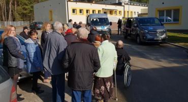 Nowe mikrobusy w służbie podopiecznych DPS w Uhowie i Jałówce