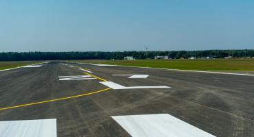 Lotnisko Krywlany wciąż tylko z nazwy. Budowa prawdziwego portu będzie potwornie droga