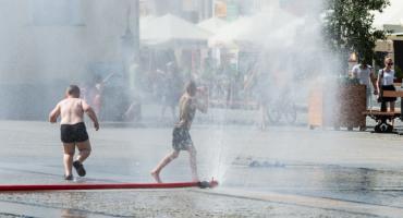 Od połowy miesiąca działają kurtyny wodne na Rynku Kościuszki