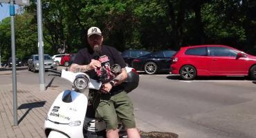 Zaparkowane niewłaściwie skutery elektryczne można zgłaszać blinkee.city