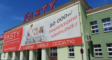 Centrum Handlowe Fasty ma nowy salon. Można w nim kupić panele i drzwi