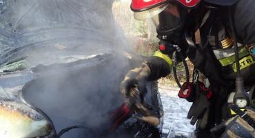 Pożar samochodu na Zagójskiej. Straż publikuje zdjęcia