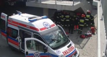 Tragedia na Wale Miedzeszyńskim- samochód wbity pod schodami